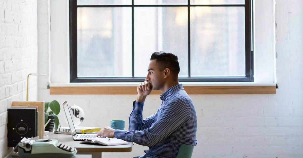 man-feeling-depress-starting-an-online-business