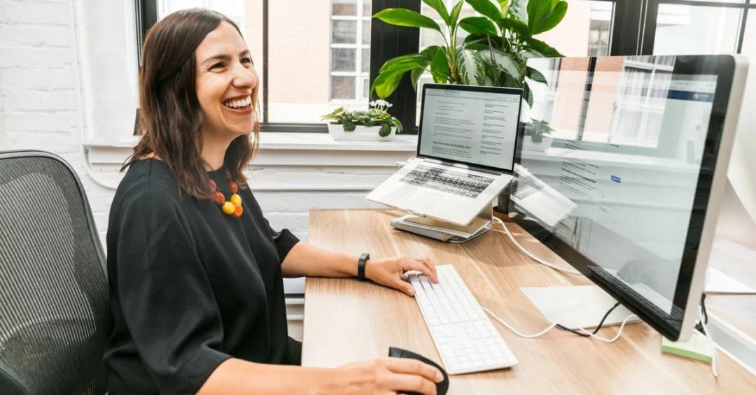woman-design-website-online-computer
