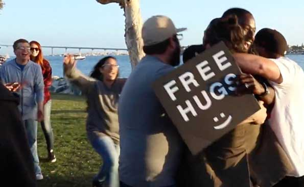 #FreeHugsProject