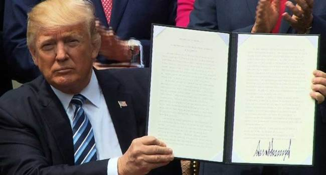 Trump signs Religious Freedom executive order that supposedly obliterates the Johnson Amendment