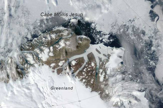 sea ice off north greenland coast