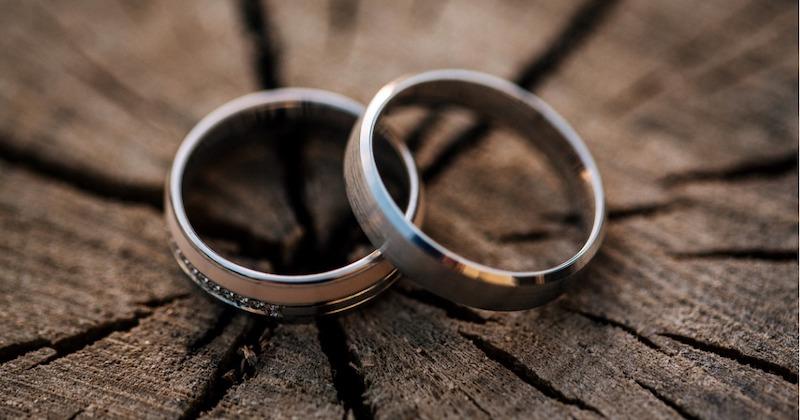 Joshua Harris – divorces, and abandons Christianity