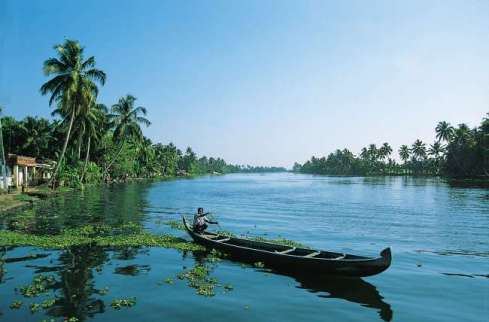 5 Reasons To Have Your Wedding In The Backwaters Of Kerala - Sketchknots