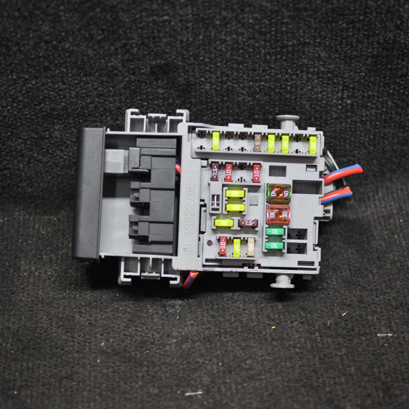 hight resolution of opel vauxhall astra j 2 0 diesel fuse box 13222786