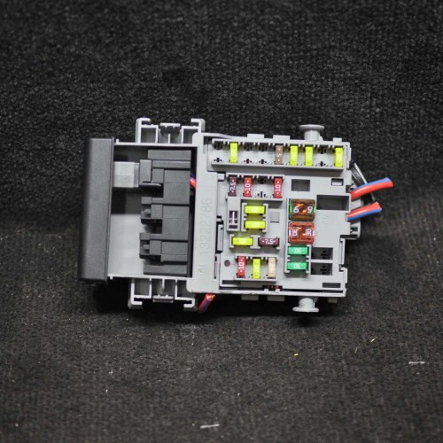 small resolution of opel vauxhall astra j 2 0 diesel fuse box 13222786