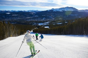 Four O'Clock run—Breck's longest run—offers 3.5 miles of picture-perfect groomed terrain. | Photo: Jack Affleck/Breckenridge Ski Resort