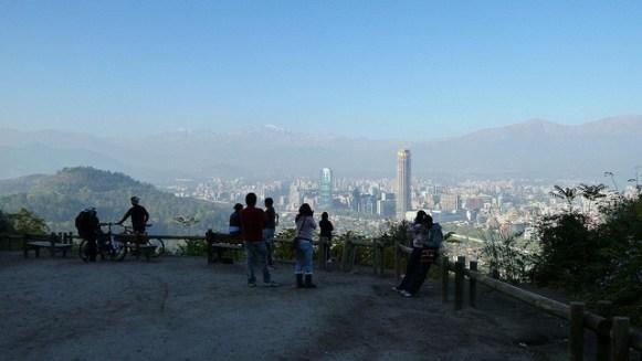 The view of Santiago from Cerro San Cristobal. | Photo: VT Polywoda/Flickr