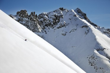 Gold Hill 1 provides an opportunity to enjoy wide-open steeps. | Photo: Telluride Ski Resort