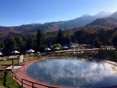 Relaxing with a good view was never more easy at Nevados de Chillan. | Photo: Nevados de Chillan Termas and Spa