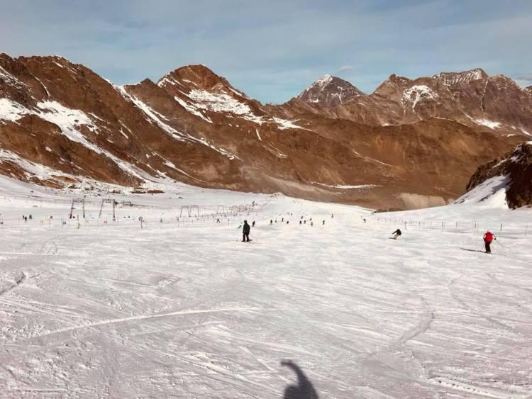 stubai glacier skiing