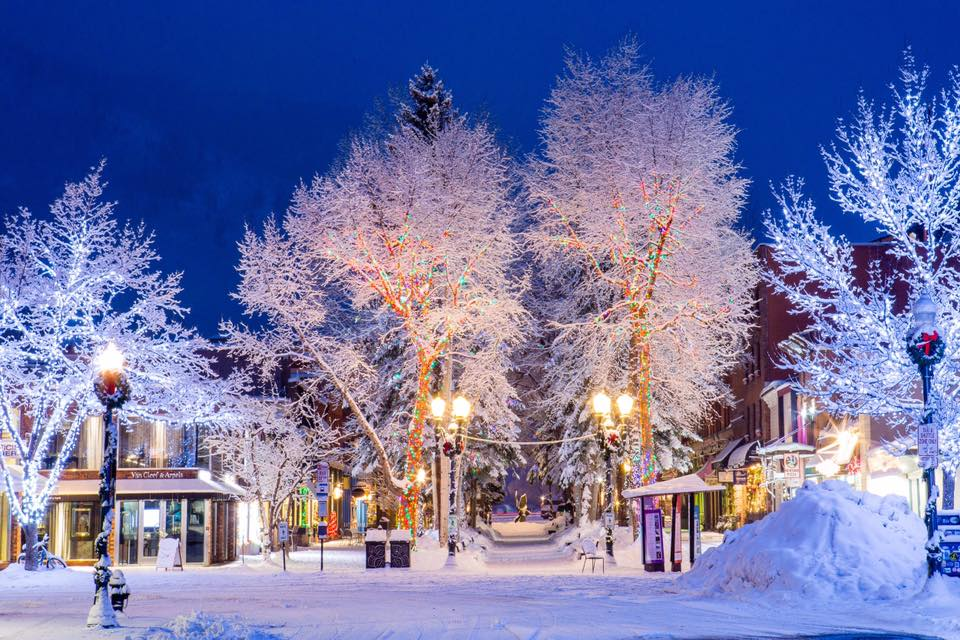 aspen christmas, aspen at christmas, aspen during the holidays