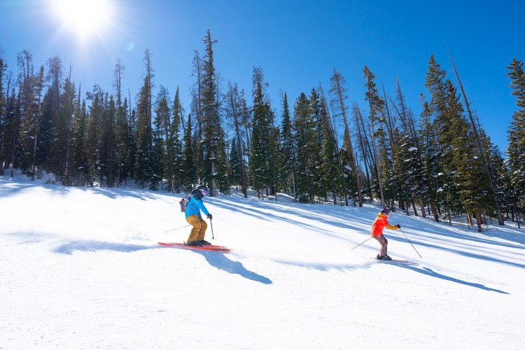 Winter Park spring skiing and closing date 2021