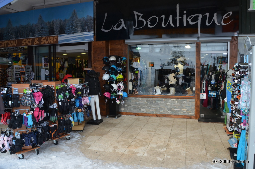 Ski 2000 Location De Skis Gourette La Boutique Vtements