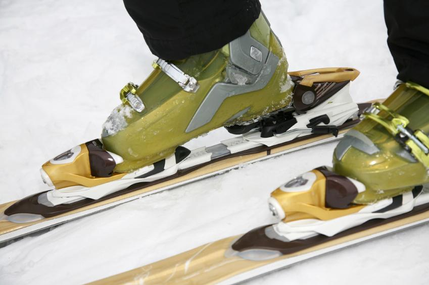 143526-849x565r1-Ski-boots-and-skis