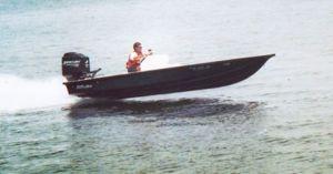 Lake and Bay Boats test of a Boca Grande 20′.