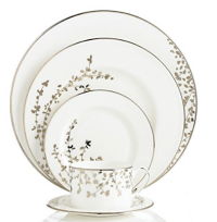 19 Dinnerware Sets Made In The USA
