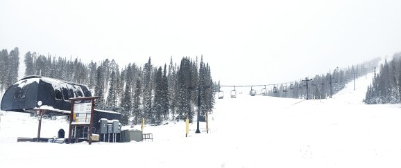 Snowy Breezeway scene
