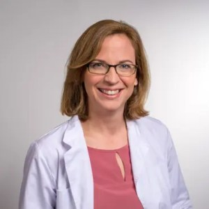 Portrait dermatologist Dr. Julia Laemmerhirt