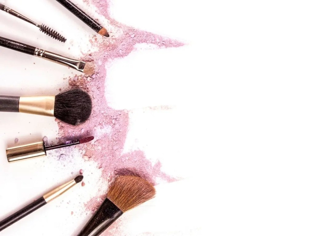 Does Everyday Excessive Makeup Put Pressure on the Skin