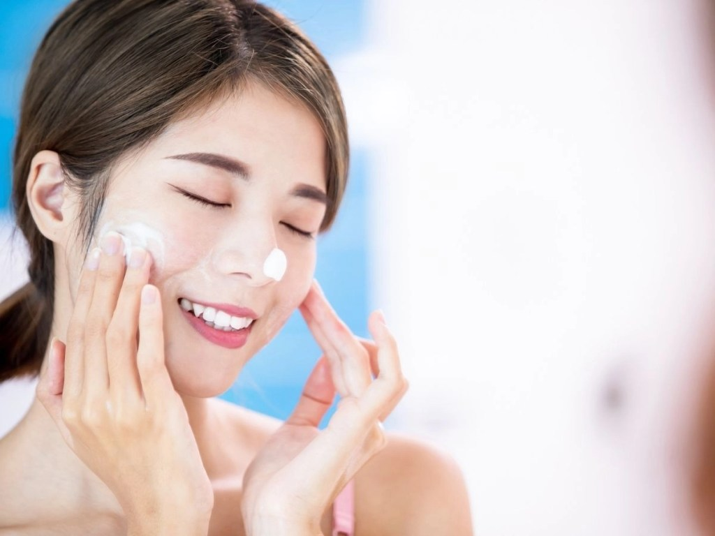 How You Should Apply Your Skincare Products