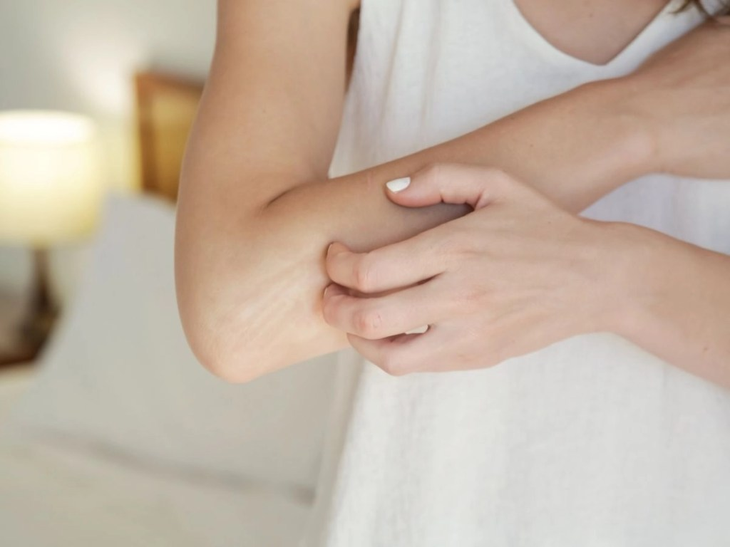 How to Deal With Dry Skin And Itching Problems