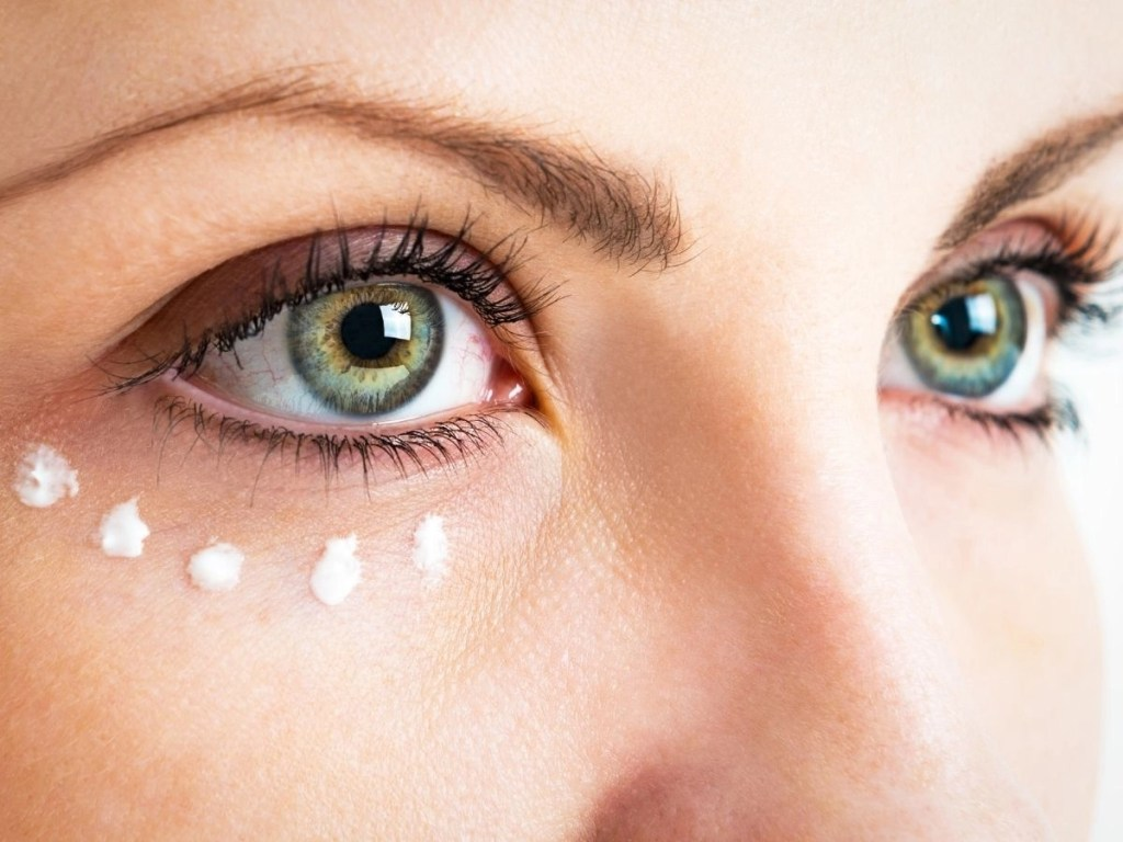 8 Tips for Caring for the Skin Around the Eyes