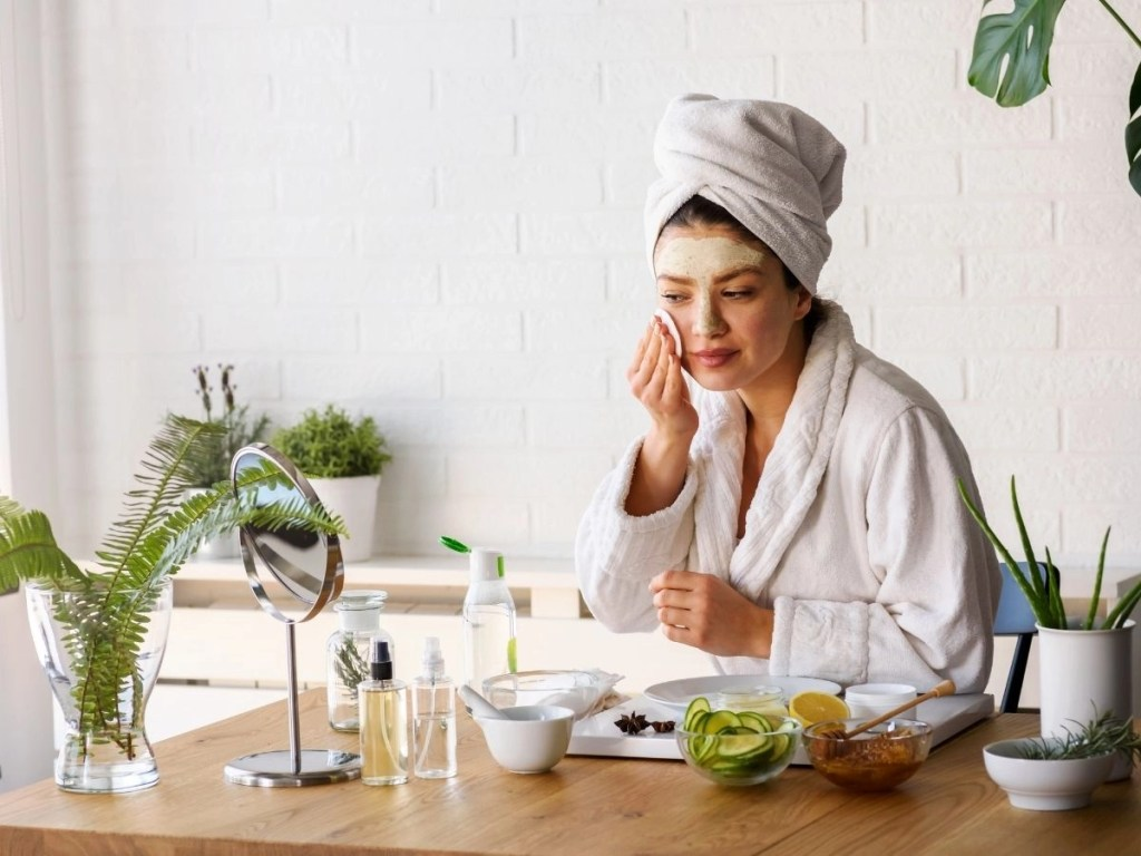 Top 9 Bad Skincare Habits Make You Age Faster