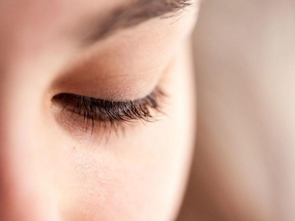Top 10 Best Eye Creams to Tighten Eyelids