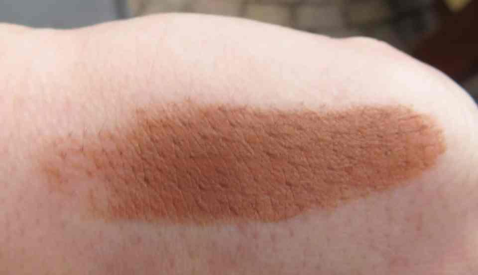 Swatch van de Aloha contour stick