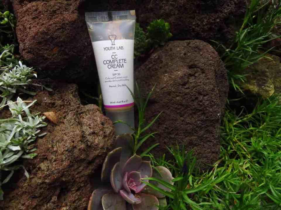 Youth Lab, cc cream. Een ideale foundation cc cream die zorgt voor een mooie teint en een egale huid. Camoufleert de oneffenheden.