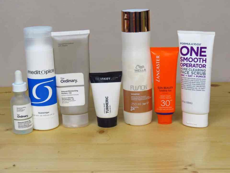 Huidverzorgingsproducten favorieten van 2019, huidverzorging, droge huid, huidreiniger, moisturiser, dagcreme, nachtcreme, shampoo, scrub, face scrub, zonnebrandcrème, serum, hyaluronzuur, melkzuur, kurkuma, turmeric