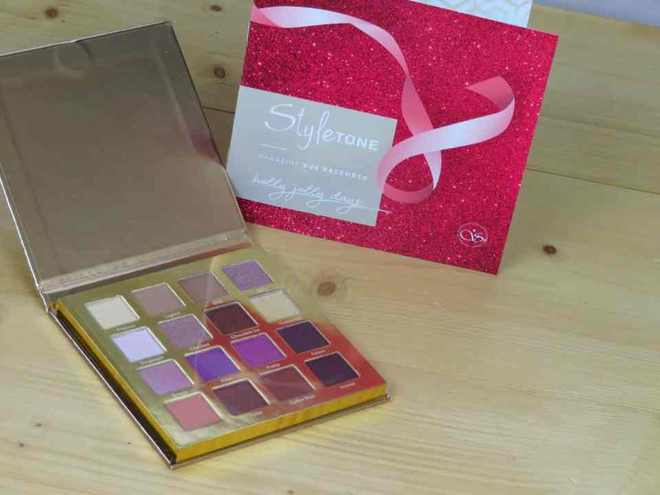 Styletonebox december, goodiebox, verrassingsbox, oogschaduw, oogschaduwpalette, kerst, glitters, matte tinten