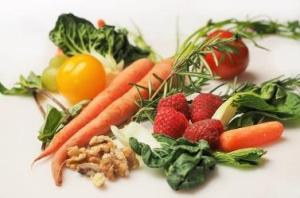 Food as the best home remedy for adult acne