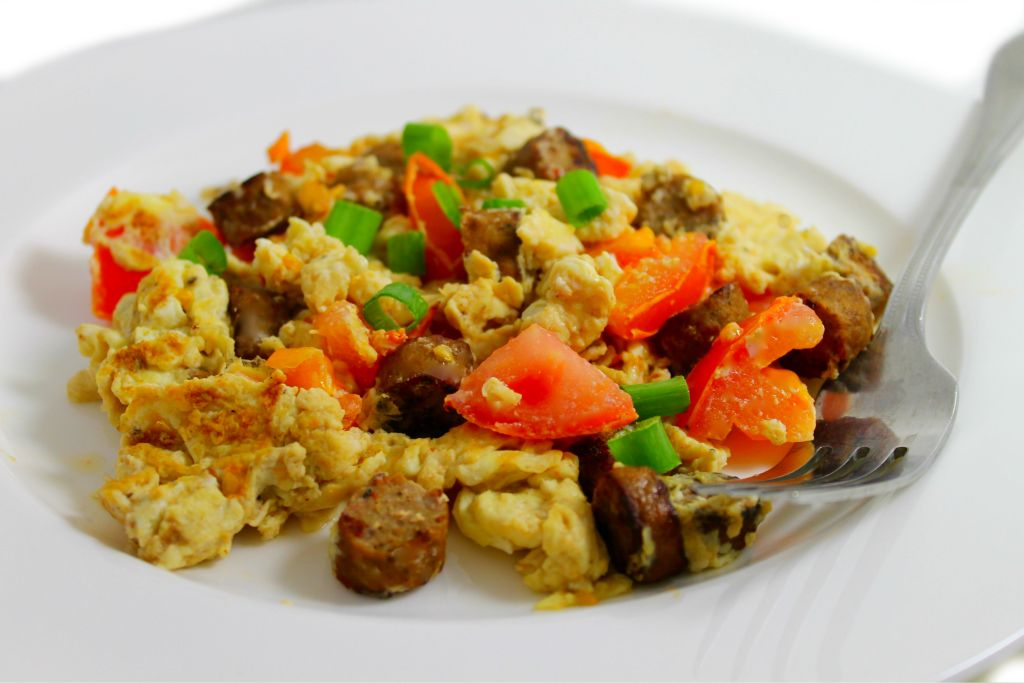eggs-and-sausage-scramble-2-color