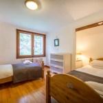 Deux Freres Bedroom Yeti