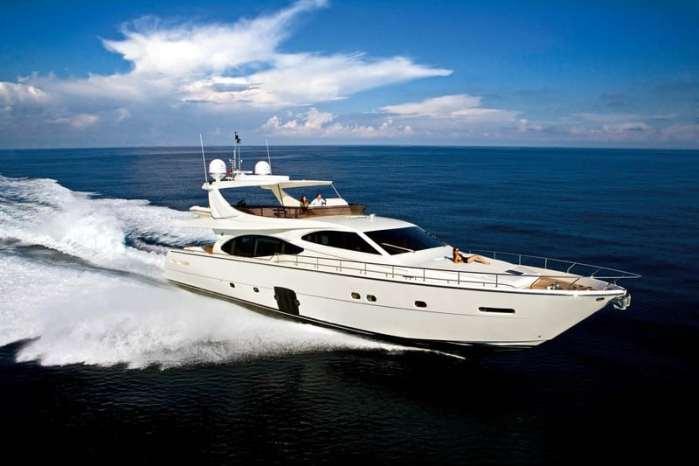 feretti-780-charter-croatia-rental