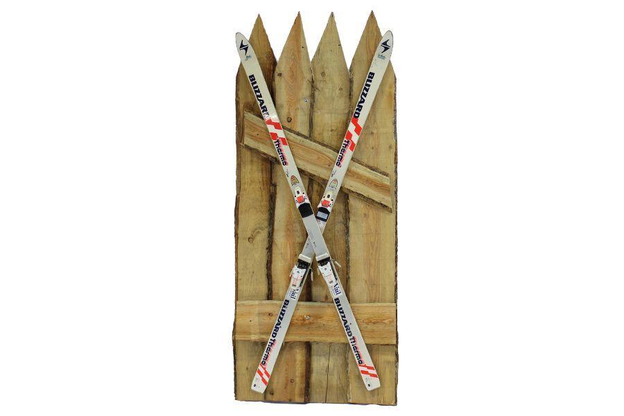 Houten decorpaneel met ski's