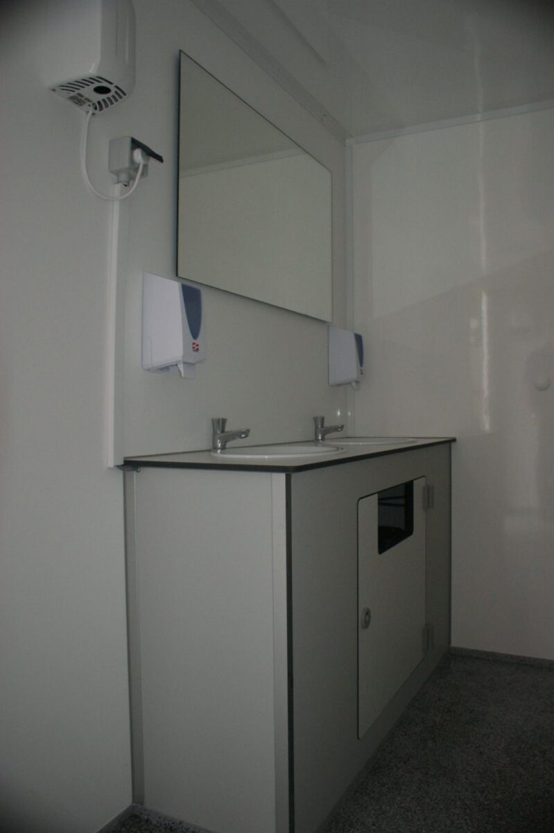 XL Toilet