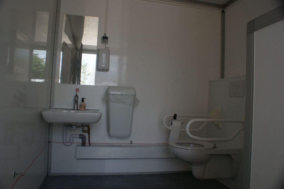 Mindervalide toiletwagen