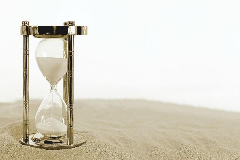 https://pixabay.com/sv/timglas-klocka-tid-perioden-timmar-2910948/