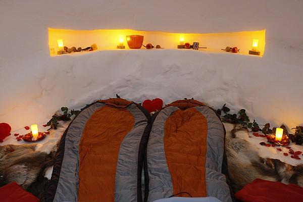 Romantica ghiacciata e bollente Una notte nelligloo per