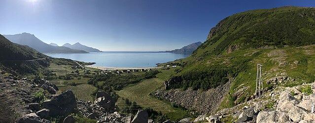 oversiktbilde Grøtfjorden. Foto: Harald Groven/wikimedia