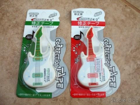Embalagem das Fitas Corretivas de 6 metros por 5mm bonitinha estilo Guitarra (Cute Guitar Style 5mm 6-Meter Correction Tape (2-Pack))