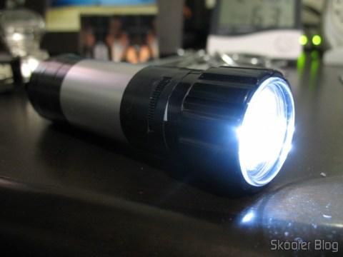 Lanterna de Dínamo com 3 leds de Alta Luminosidade, consertado