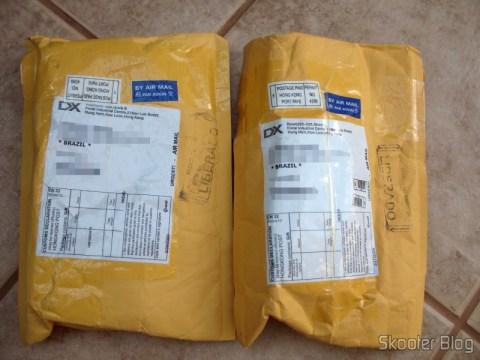 Dois pacotes não-registrados e não-tributados da DealExtreme