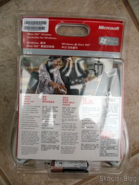 Parte traseira da embalagem retail do controle de XBox 360 com receptor USB