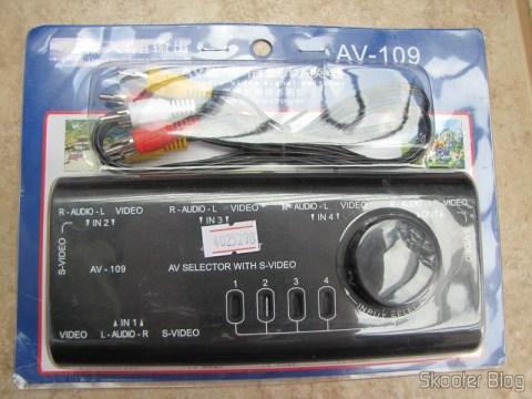 Chaveador de áudio e vídeo com S-Video na sua embalagem original