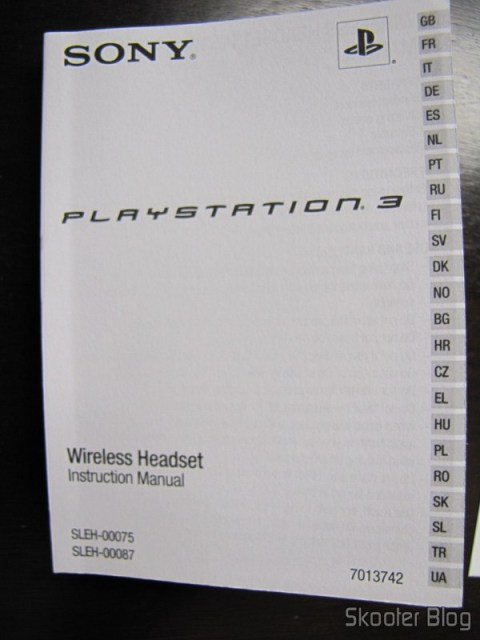 Manual de instruções do Headset Bluetooth Wireless Oficial do Playstation 3, com 23 línguas diferentes