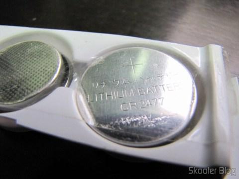 Uma das baterias do pack vem com o lado escrito para cima, assim devem evitar novos erros