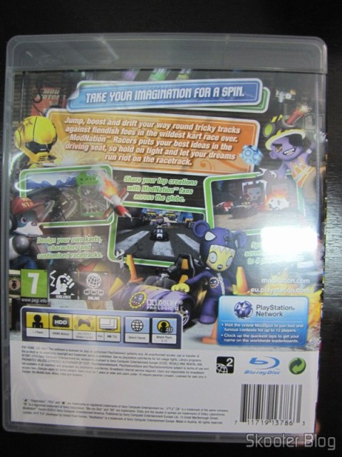 Parte traseira da caixa do ModNation Racers do PS3